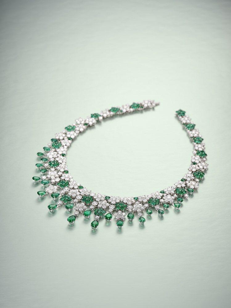 格拉夫「Cluster」祖母綠配鑽石項鍊,祖母綠共重46克拉、白鑽共重67克拉,...
