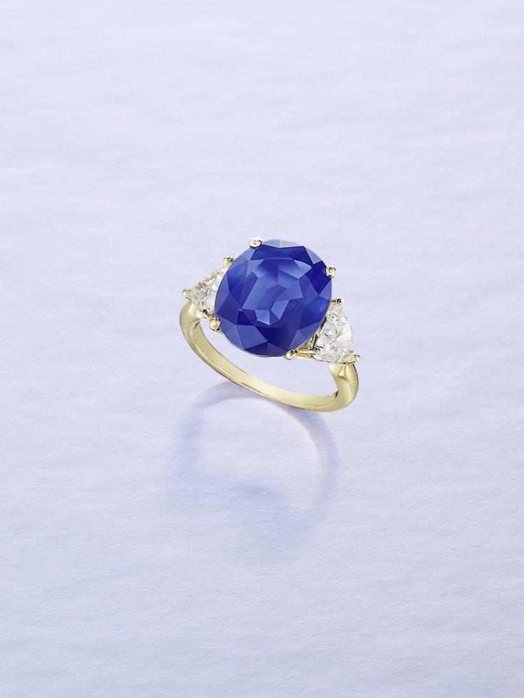 6.65克拉天然無經處理克什米爾藍寶石配鑽石戒指,估價286萬港元起。圖/邦瀚斯...