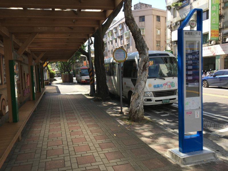 桃園市23條樂活巴路線載客人數較多,8月起轉型為市區公車收費路線。記者張裕珍/攝影 張裕珍