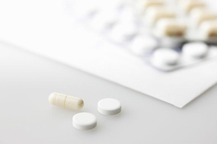 頭痛該吃止痛藥嗎?圖/ingimage