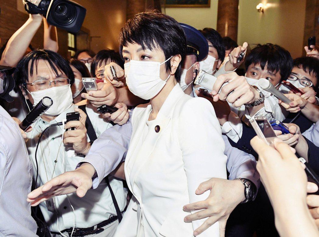 河井的妻子前田案里,原先是廣島的縣議會議員,然而河井夫妻二人,涉嫌在2019年從...