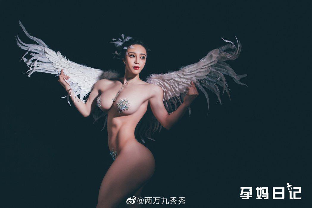 袁合榮熱愛健身。圖/擷自微博