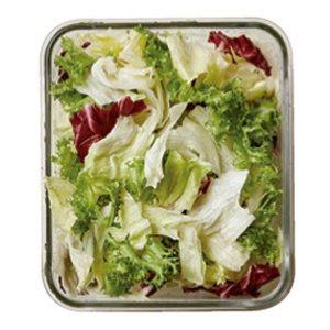 將處理好的蔬菜放入保鮮盒中,並蓋上蓋子,放入冰箱中冷藏即完成。 圖/台灣廣廈提供