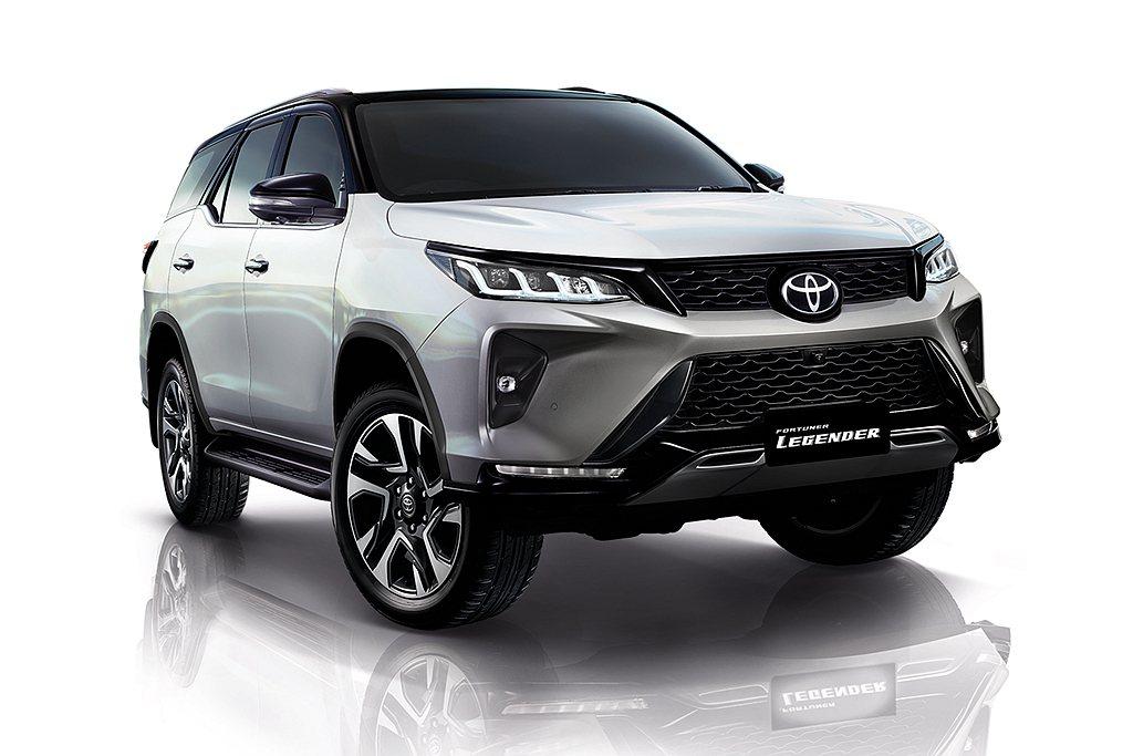 新年式Toyota Fortuner新增頂級Legender車型,外觀方面從頭燈...