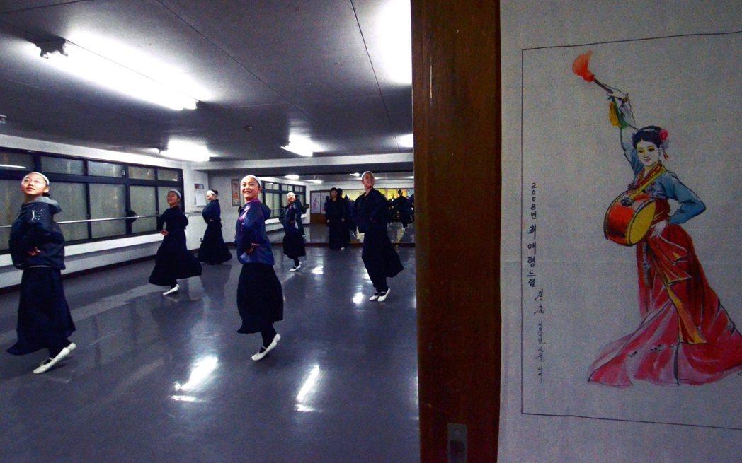 設立學校的目的,主要也是為了培育在日朝鮮人後代的朝鮮母語能力、以及學習朝鮮文化。...