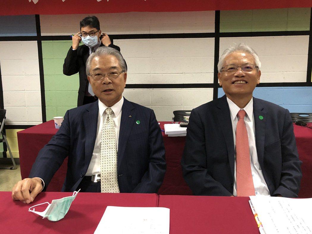 仁寶董事長許勝雄(左)與總經理翁宗斌。記者蕭君暉/攝影