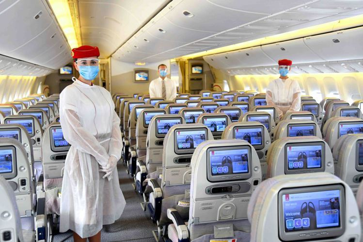 阿聯酋航空強調,在每道關卡設置全面的安全防護措施,以確保乘客、地勤人員和空服員的...