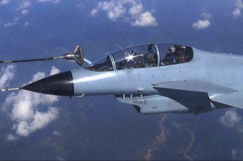中共殲十戰機。圖/大國之翼
