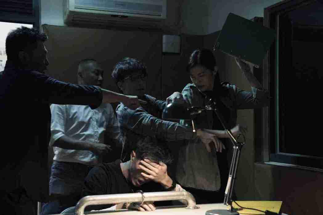 任容萱(右)在「驚夢49天」的角色曾遭性侵,讓她對性侵犯恨之入骨。圖/原創娛樂提...