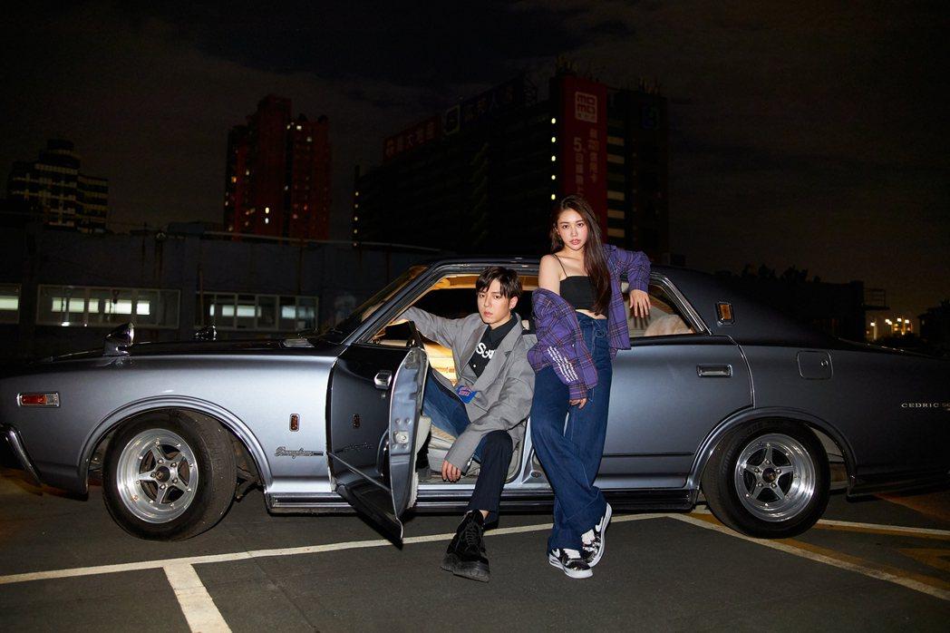 GJ(左)與林茉曦在MV有不少親密互動戲,擦出激情火花。圖/索尼音樂提供