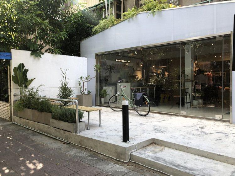 黃薇同名品牌Jamie Wei Huang的首座旗艦店「JWH House」。記...