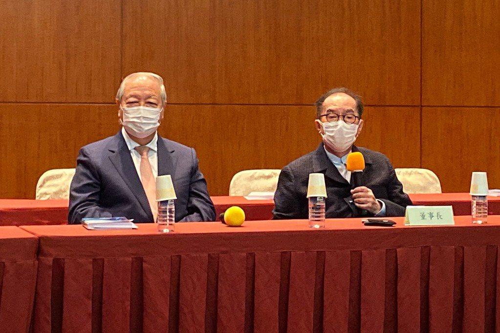 廣達董事長林百里(右)與副董暨總經理梁次震。記者蕭君暉/攝影