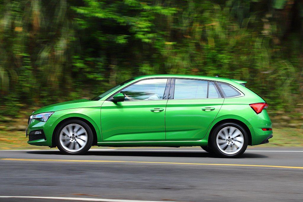 Skoda Scala受益模組化底盤平台優勢,在僅4,362mm的車身長度,提供...