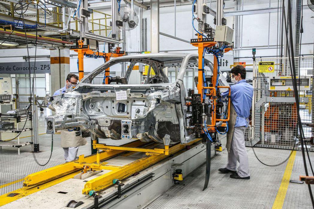 全新Volkswagen Nivus是款在巴西開發與製造的小跑旅。 摘自Volk...