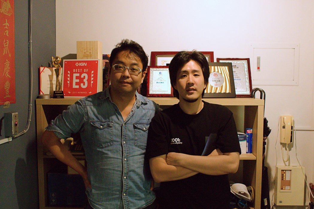 赤燭遊戲共同創辦人姚舜庭(左)、楊適維(右)