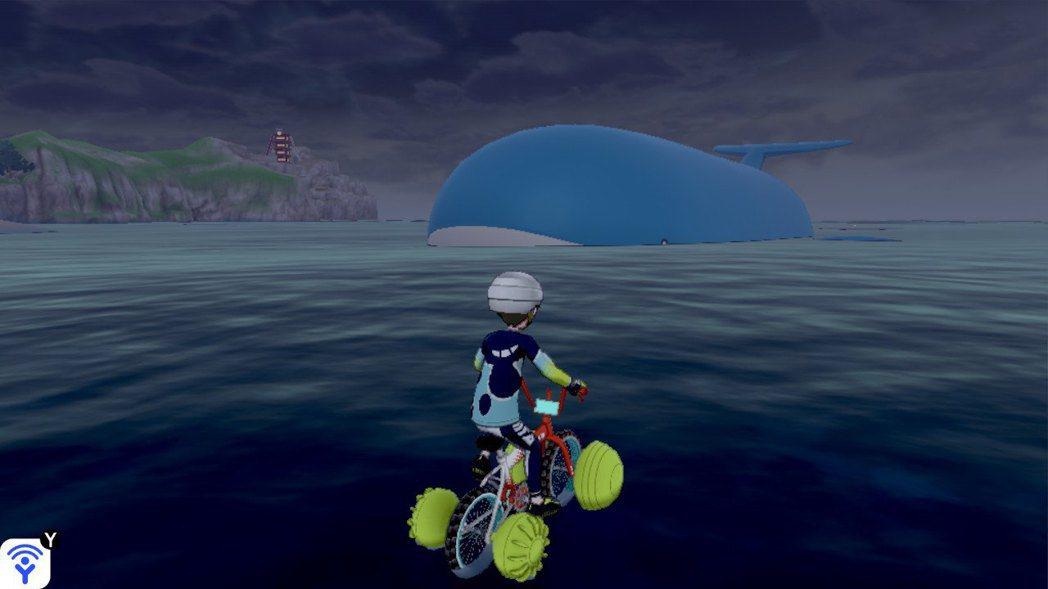 遠遠就看到吼鯨王,超級大隻!