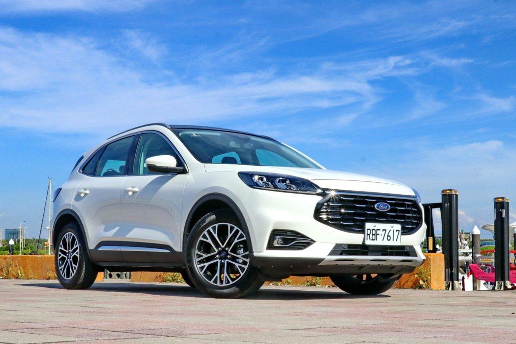 Ford Kuga EcoBoost 180旗艦型。 記者陳威任/攝影