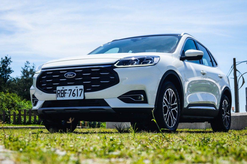 Ford Kuga EcoBoost 180旗艦型。 記者趙駿宏/攝影