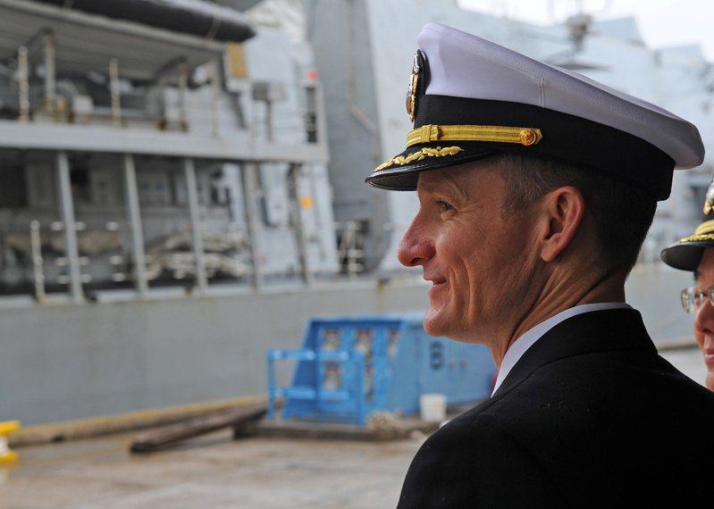 美國海軍19日說,因通報羅斯福號航母上爆發新冠肺炎疫情而遭解職的前艦長克勞齊(Brett Crozier)確定不會復職。路透