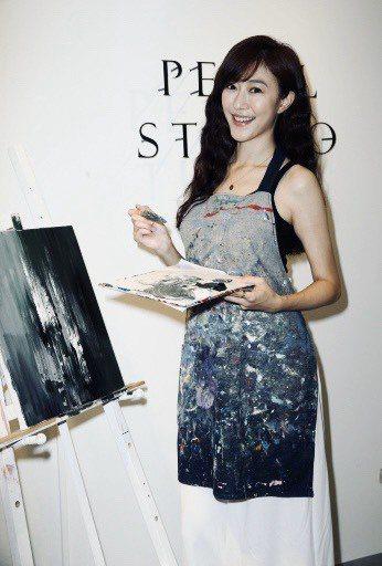 許蓁蓁自組畫室開班授課,不少大咖演員都是她的學生。記者曾吉松/攝影