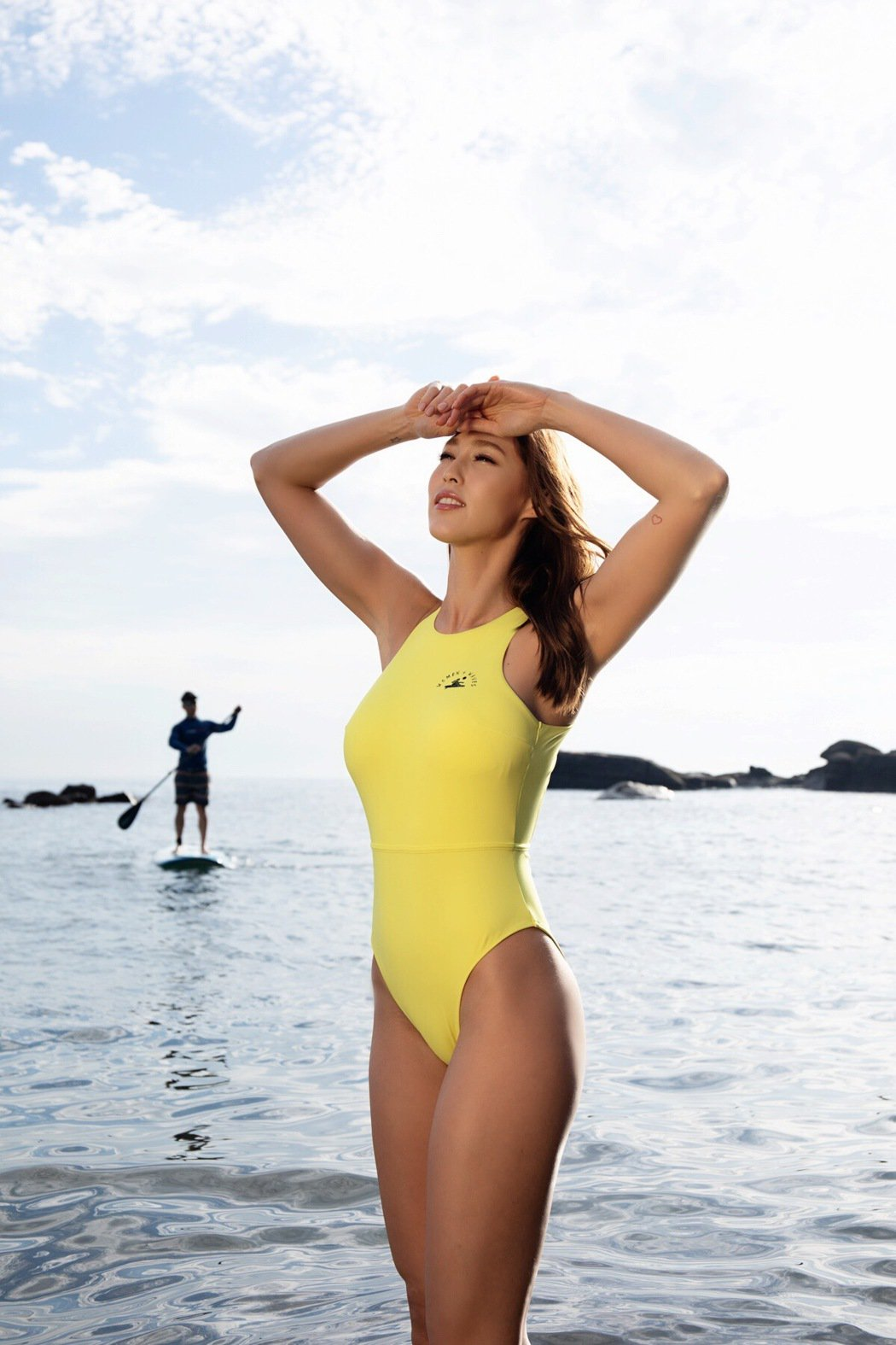Akemi香月明美超健康美感身材,讓攝影師也忍不住驚嘆「amazing」!圖/ ...