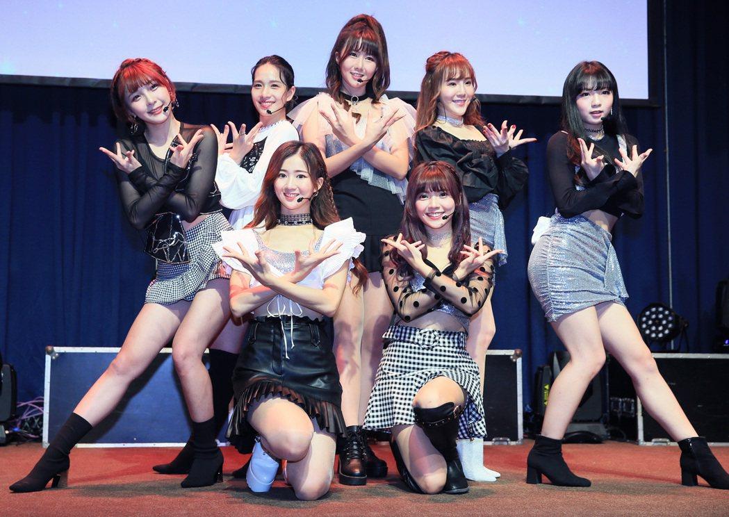 L.C.G.勵齊女孩「最初的心願」台北出道演唱會總彩排。記者潘俊宏/攝影