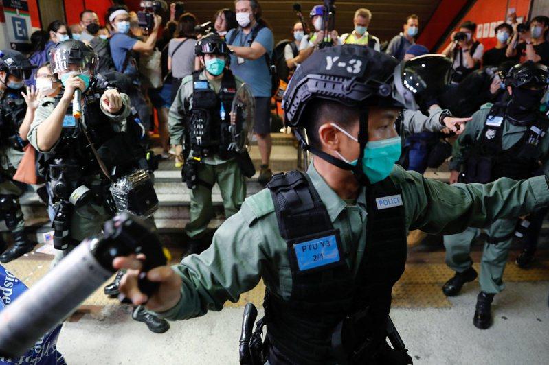 中國全國人大常委會會議20日閉幕,新華社當晚曝光「港版國安法」草案內容。 路透社