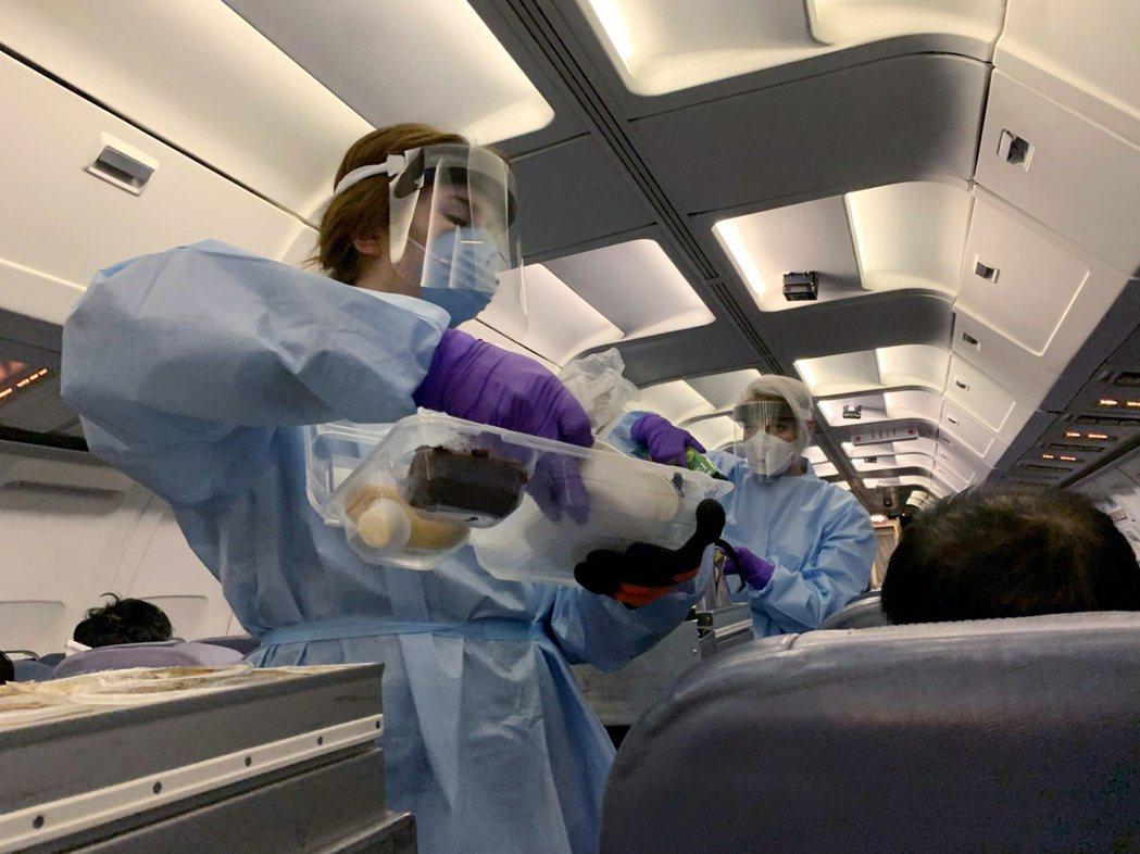 加拿大為防堵2019冠狀病毒疾病(COVID-19)境外移入病例,政府決定延長針...