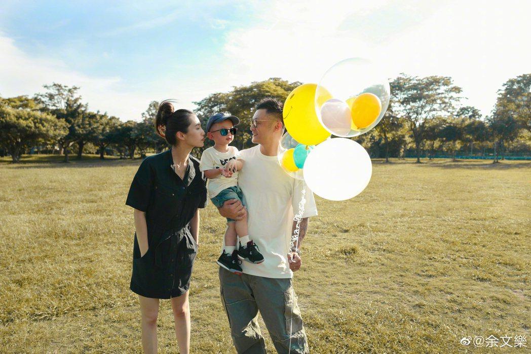 余文樂透露老婆懷了第二胎。 圖/擷自余文樂微博