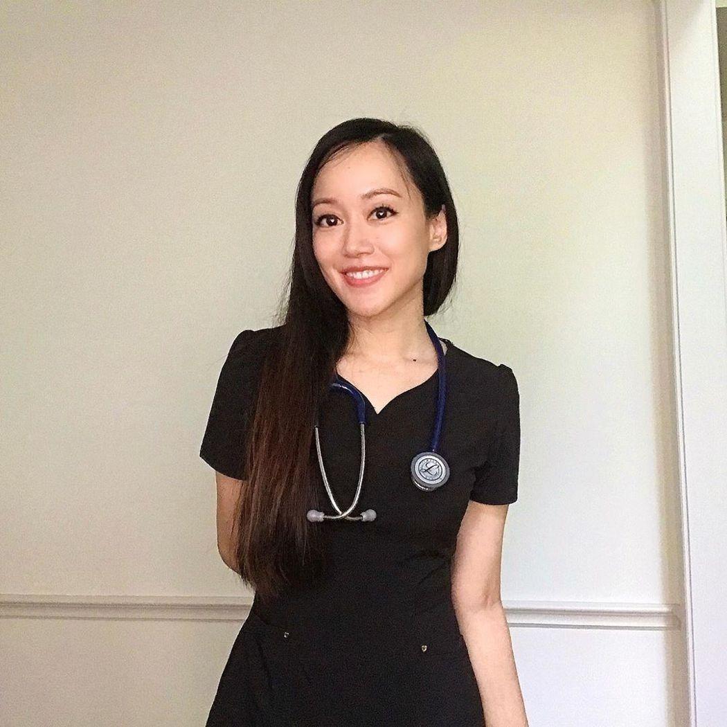 許嘉凌已成為急診護理師。 圖/擷自許嘉凌IG
