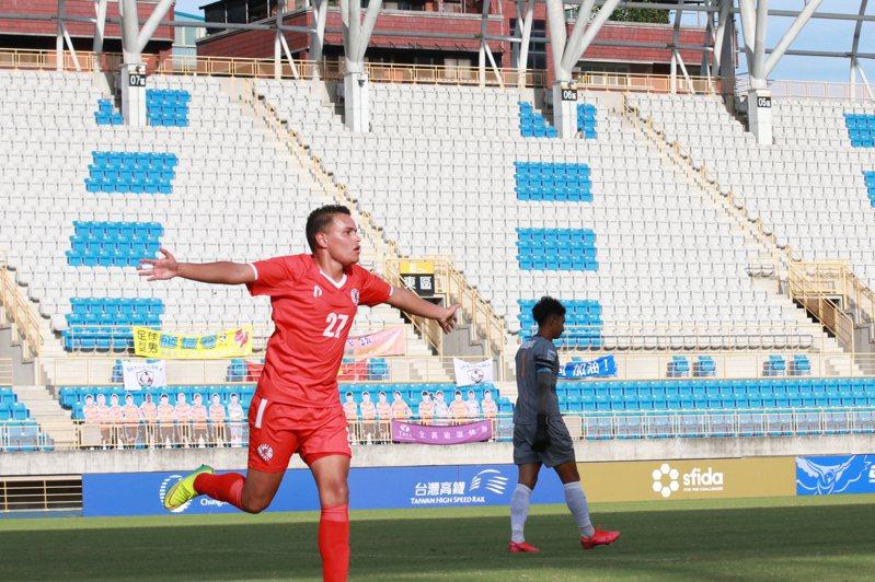 Gerardo梅開二度,率紅獅FC踢下本季首勝。圖/中華足球協會提供