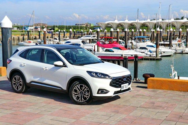 Ford Kuga EcoBoost 180旗艦型更適合精打細算的家庭客層。記者...