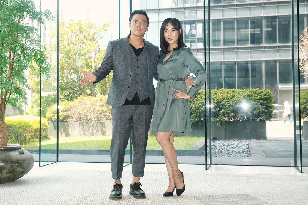 竇智孔(左)、張本渝(右)出席三立新8點檔「天之驕女」舉行的記者會。記者林伯東/...