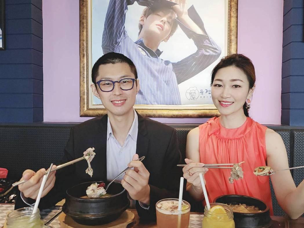 中醫師黃獻銘(左)與營養師余朱青(右)共同推薦夏日飲食方法。劉震川韓潮吧/提供