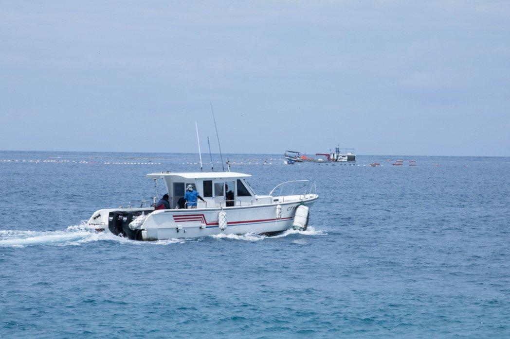 定置漁場其實離七星潭岸邊非常近,卻極少被真正納入旅客視野中。記者/許詩愷攝影