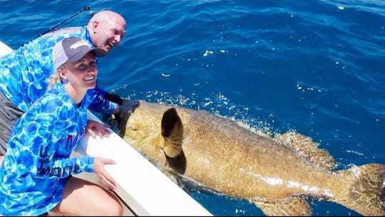 維爾納與家人度假釣魚時,意外釣到一條264公斤的巨人石斑魚,打破世界紀錄。圖擷自marco eagle