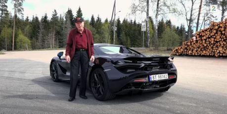 年紀大就不適合開跑車?這位78歲的老伯可是開著McLaren 720S Spider通勤!