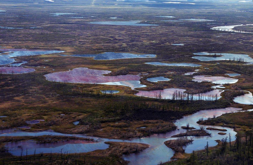 俄羅斯諾里爾斯(Norilsk)日前有2萬公噸的柴油外流入河。這起被認為是北極史...