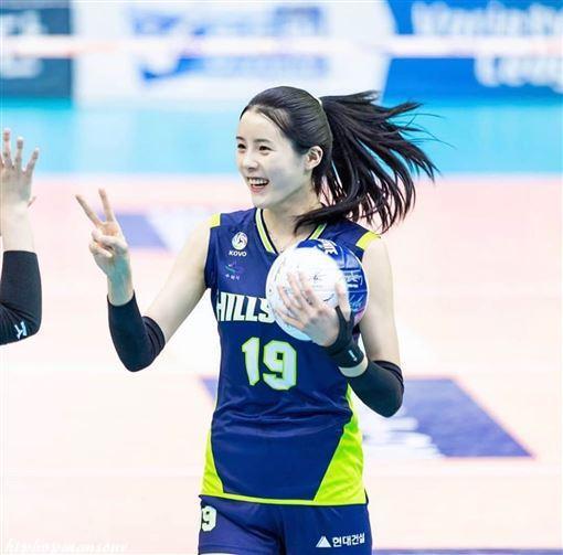 南韓女排國家隊李多英外型甜美引球迷注目。圖片來源/ instagram
