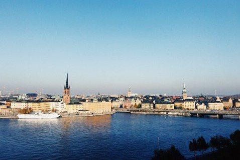 去過一回斯德哥爾摩,原本只是旅途中任意增添的隨性晃遊,實際前往之後發現整個城市十...