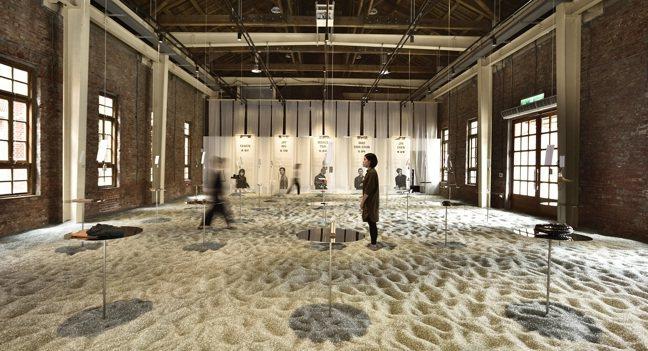 春池在華山文創園區的「玻璃海」展。圖/格式展策提供、汪德範攝影