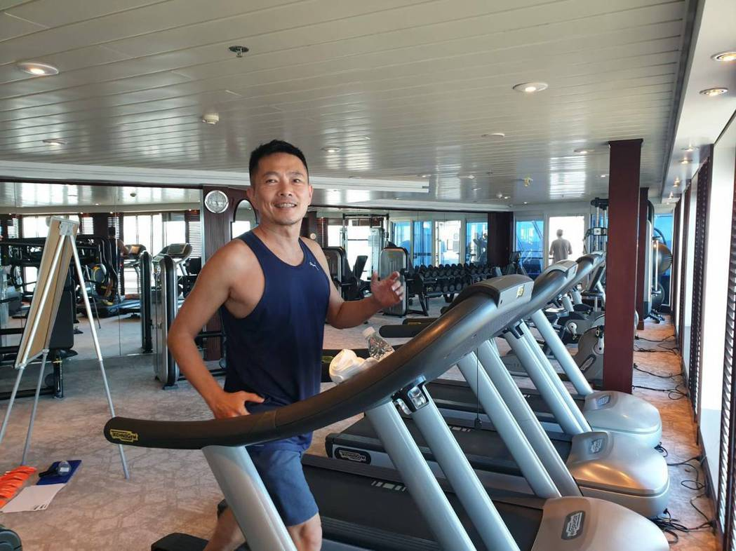 蘇逸洪很享受退休生活。圖/正甘能提供