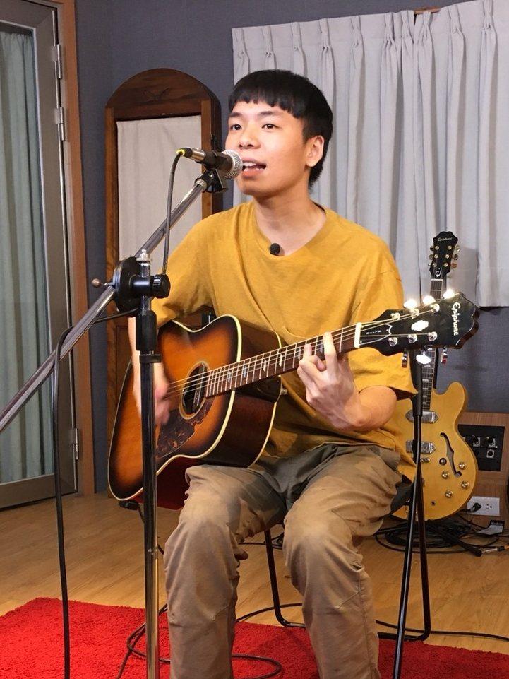 「Siàu-lú khah-lah少女卡拉」主唱黃稚嘉。圖/獨一無二娛樂文化提供