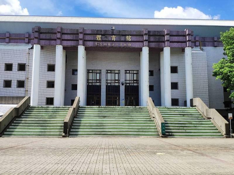 中華民國國武術總會下月將在台南新營體育館辦理一系列國術比賽,由於採梅花座,高規則防疫作業引來雜音。記者謝進盛/攝影