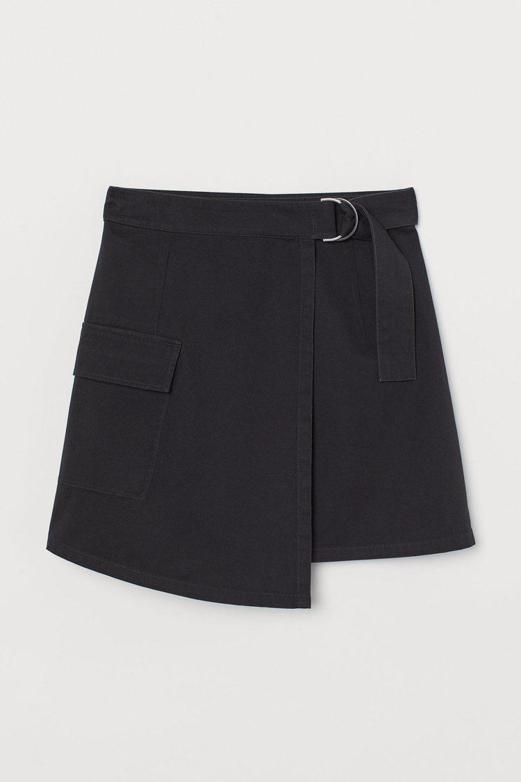 H&M亞洲限定時尚史努比系列短裙499元。圖/H&M提供