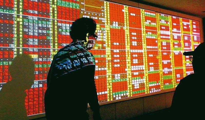 投信法人表示,台股第3季有反彈契機,若無重大系統風險發生,拉回可布局中長線。 聯合報系資料照