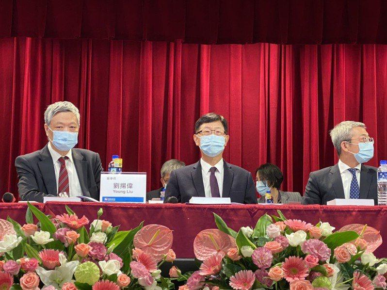 鴻海董事長劉揚偉首度主持股東大會。記者吳凱中/攝影