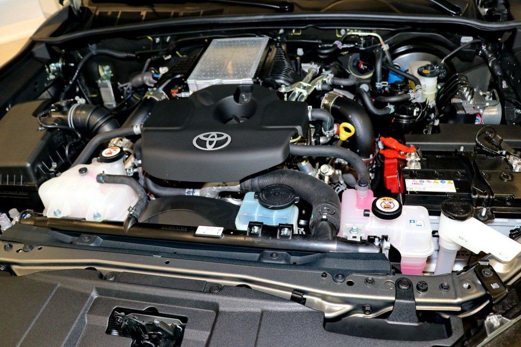 全新HILUX藉由加大渦輪以及強化引擎周邊相關機件,提升動力來到204ps/51...