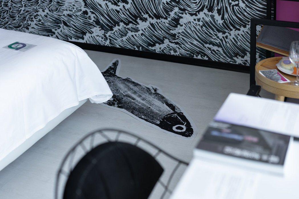 廖小子展覽主題房《夢島漂流》一隅的虱目魚身影。 圖/台南老爺行旅提供