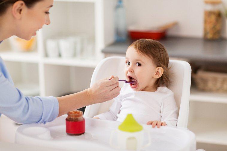 別再親子共食,當心感染常見5疾病。圖/ingimage